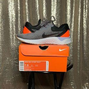 Nike Odyssey React - Running Shoes